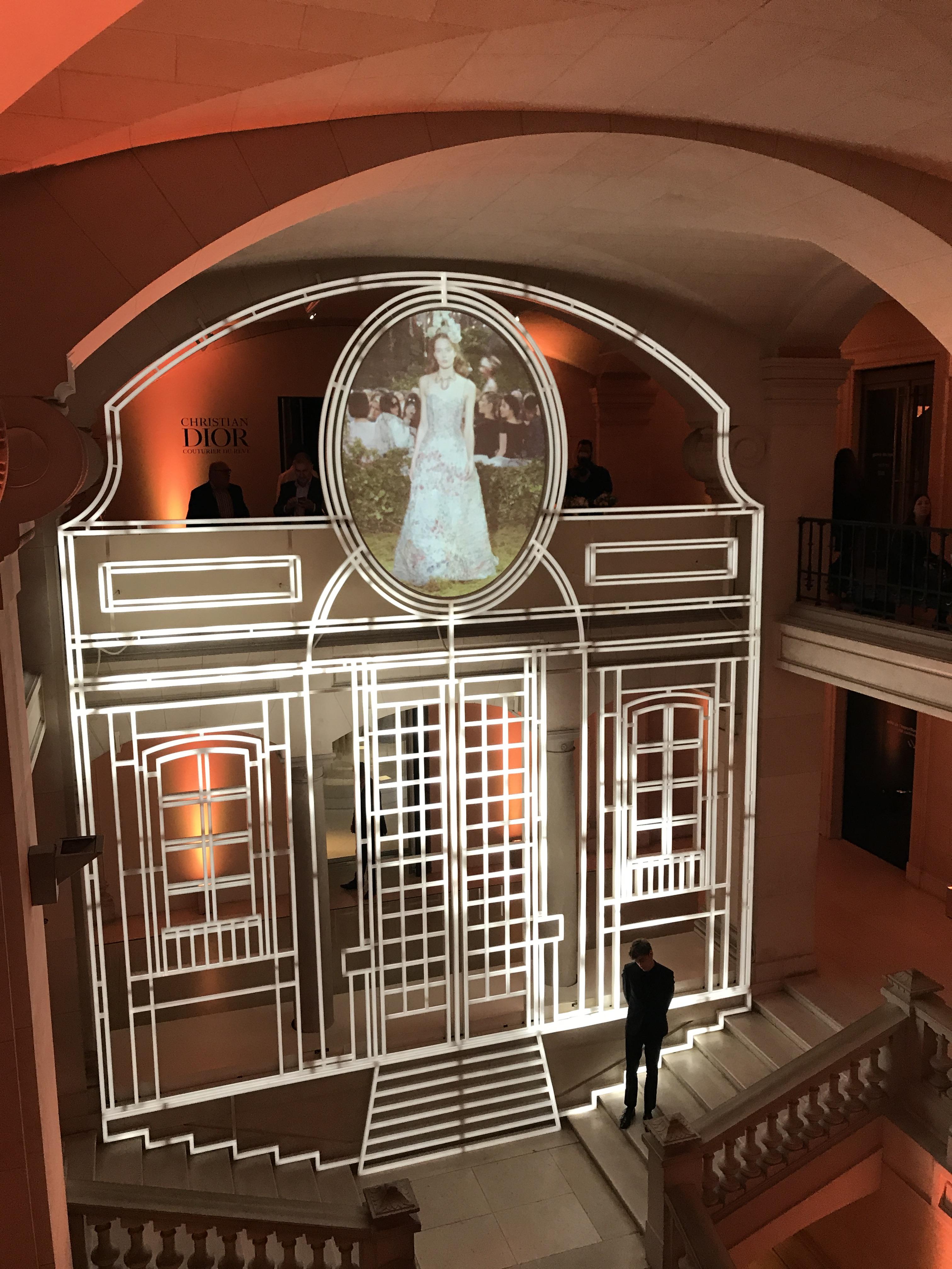 Maison Dior Paris Pour Les Ans De La Maison Dior Les Galeries